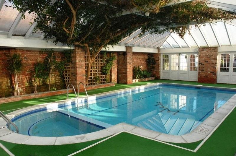 Lo que debes saber antes de construir una piscina